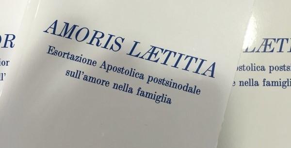 amoris-laetitia-bis-600x522